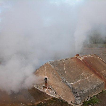 Geothermal chimney
